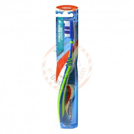 Aqua Fresh Clean And Reach M Toothbrush 1Pcs